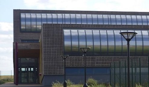 Gymnase blanche de Castille (près du collège, et de la gare routière).